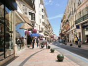 CANNES : RUE D'ANTIBES